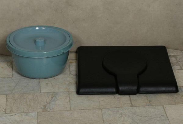 ویلچر لگن دار تاشو حمامی 7